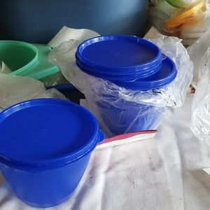 TUPPERWARE set of 4 refrigerator bowls MIP